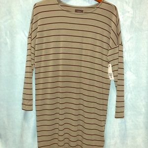 *NWT* Long sleeve t-shirt style dress